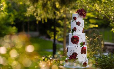 Wedding cake in the lovely Garden Park Ward