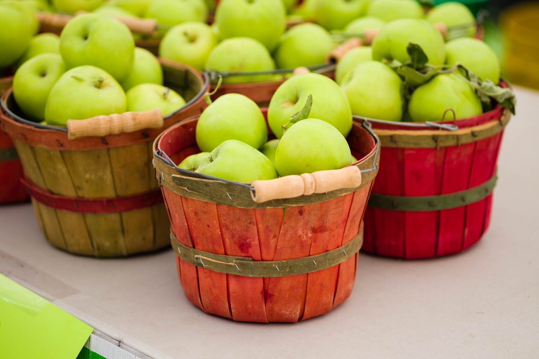 Apples at the farmer's market