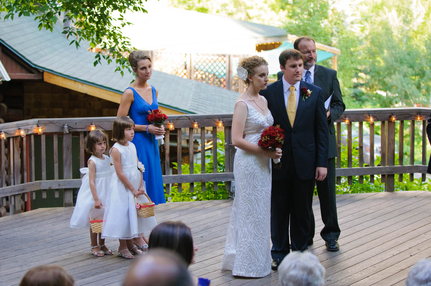 Log Haven wedding ceremony