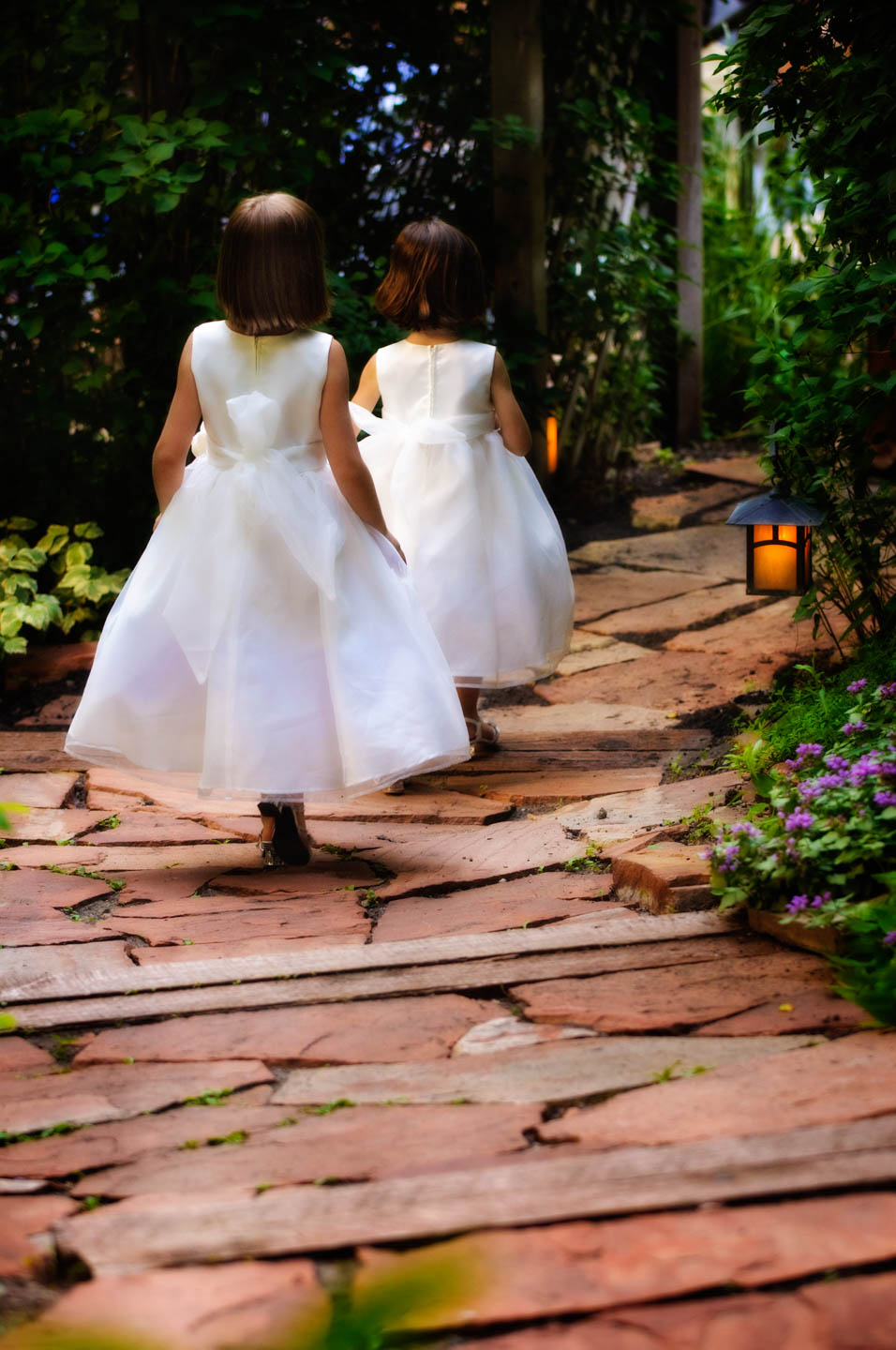 Flower girls head to the ceremony