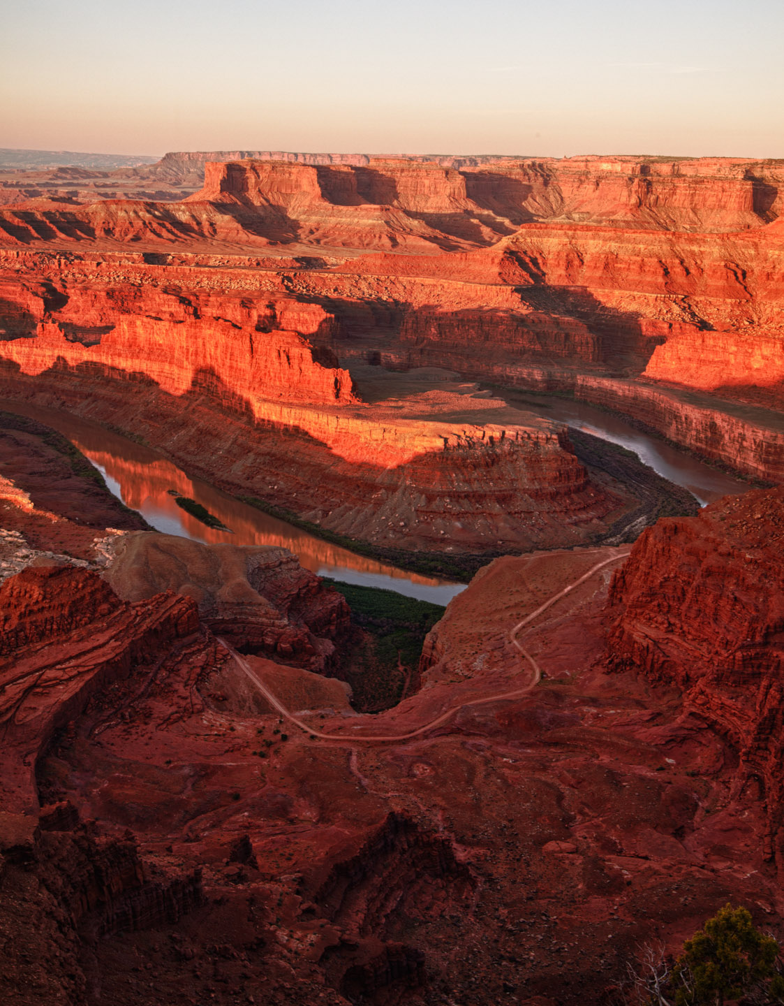 Moab Dead Horse Point at sunrise