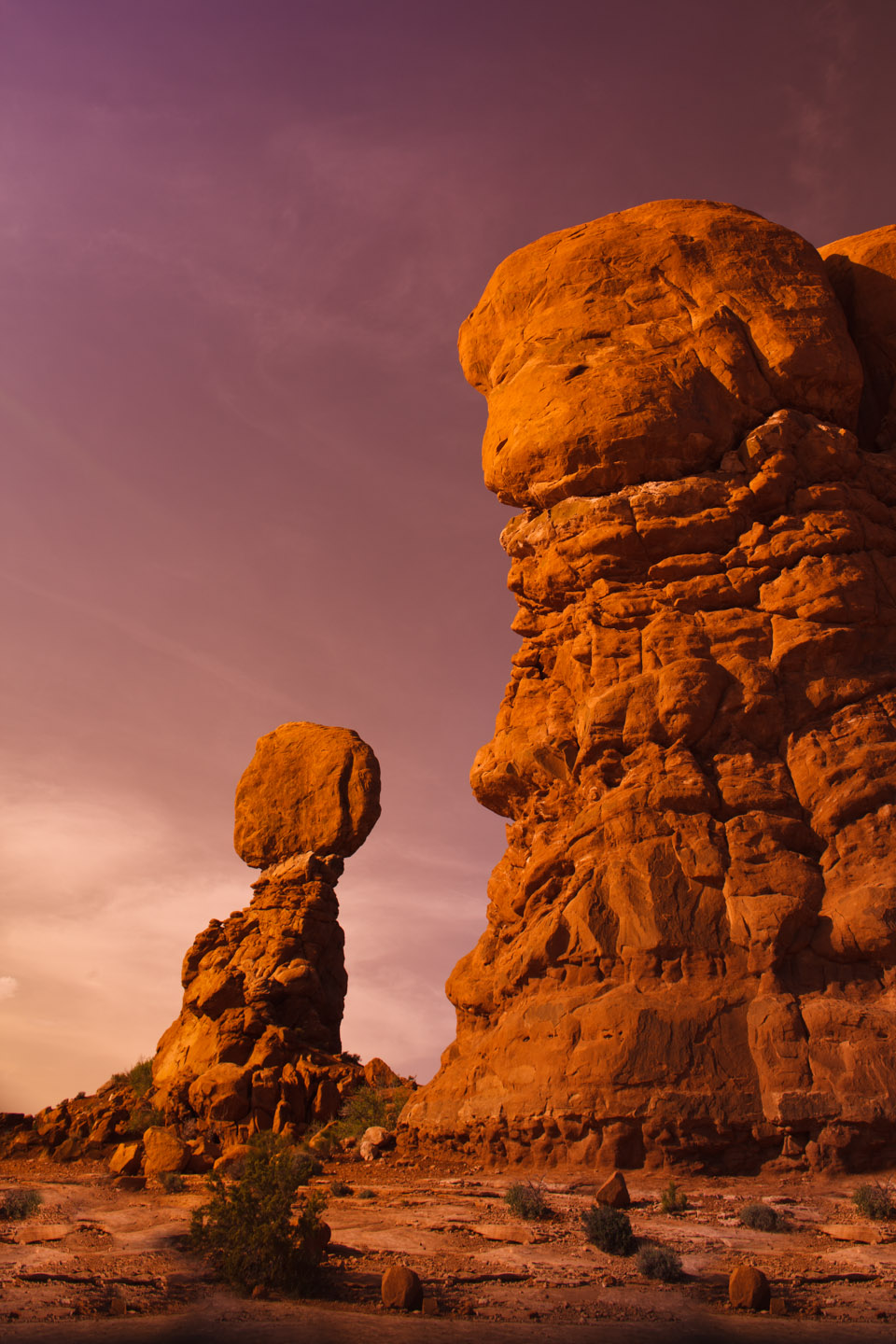 Moab balancing rock looks like Mars
