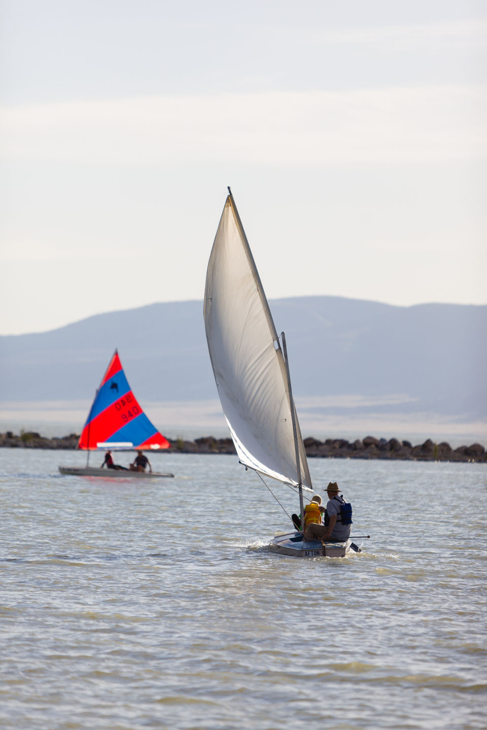 2 sailing boats on Utah Lake