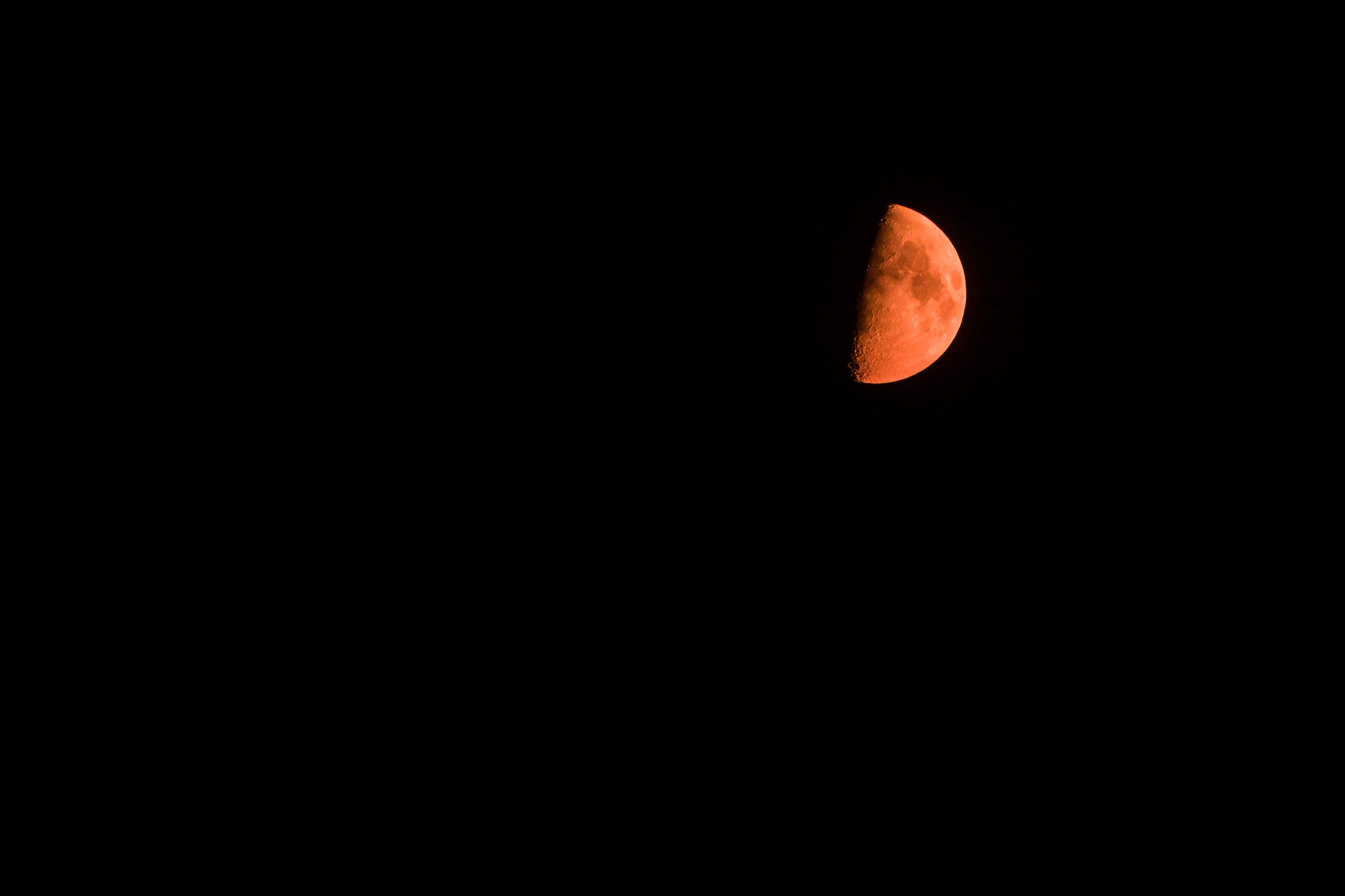 Red moon due to Utah's  pollution, not the apocalypse