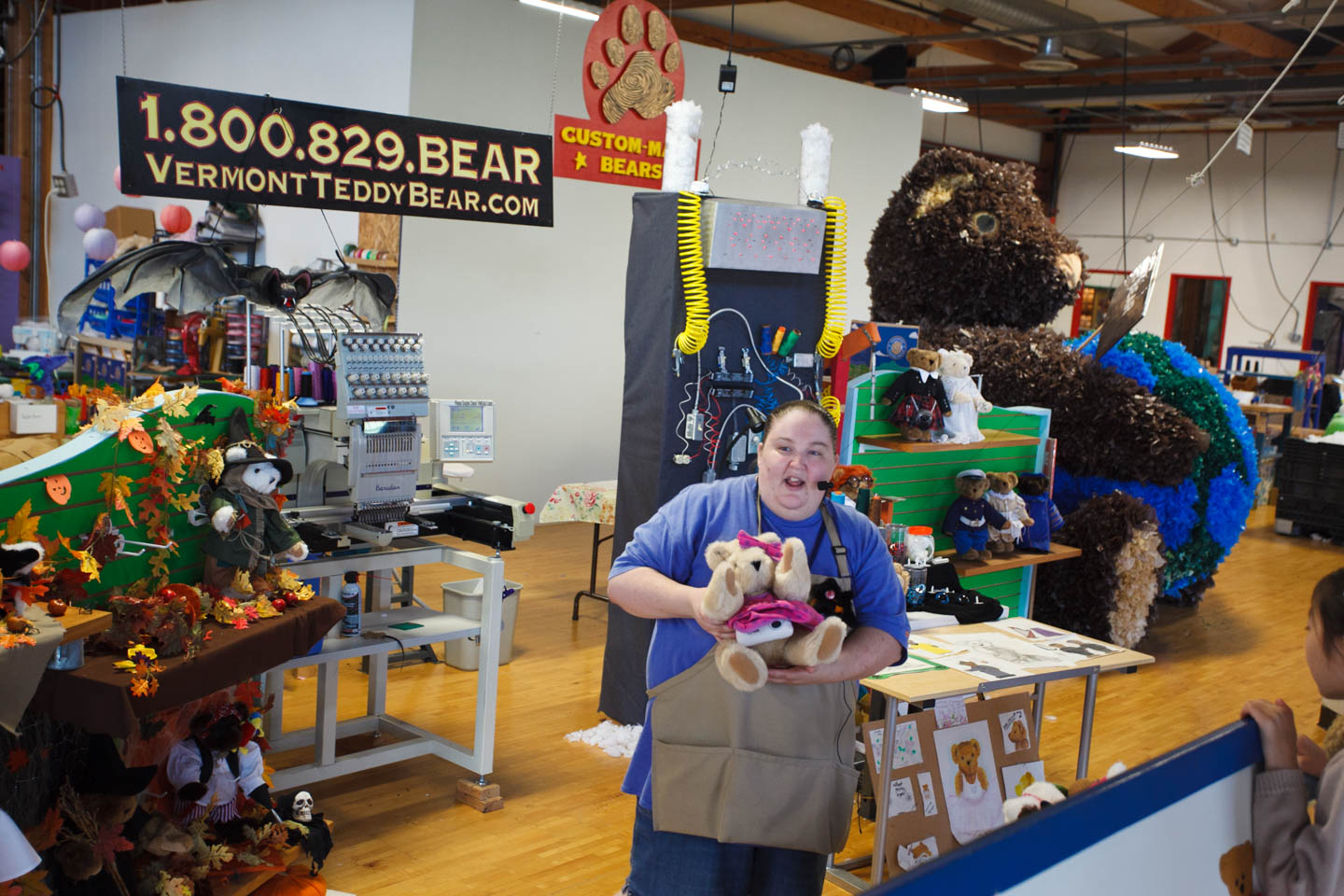 Tour of the Vermont Teddy Bear Factory