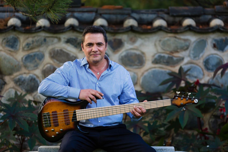 Zsolt brought 2 different bass guitars