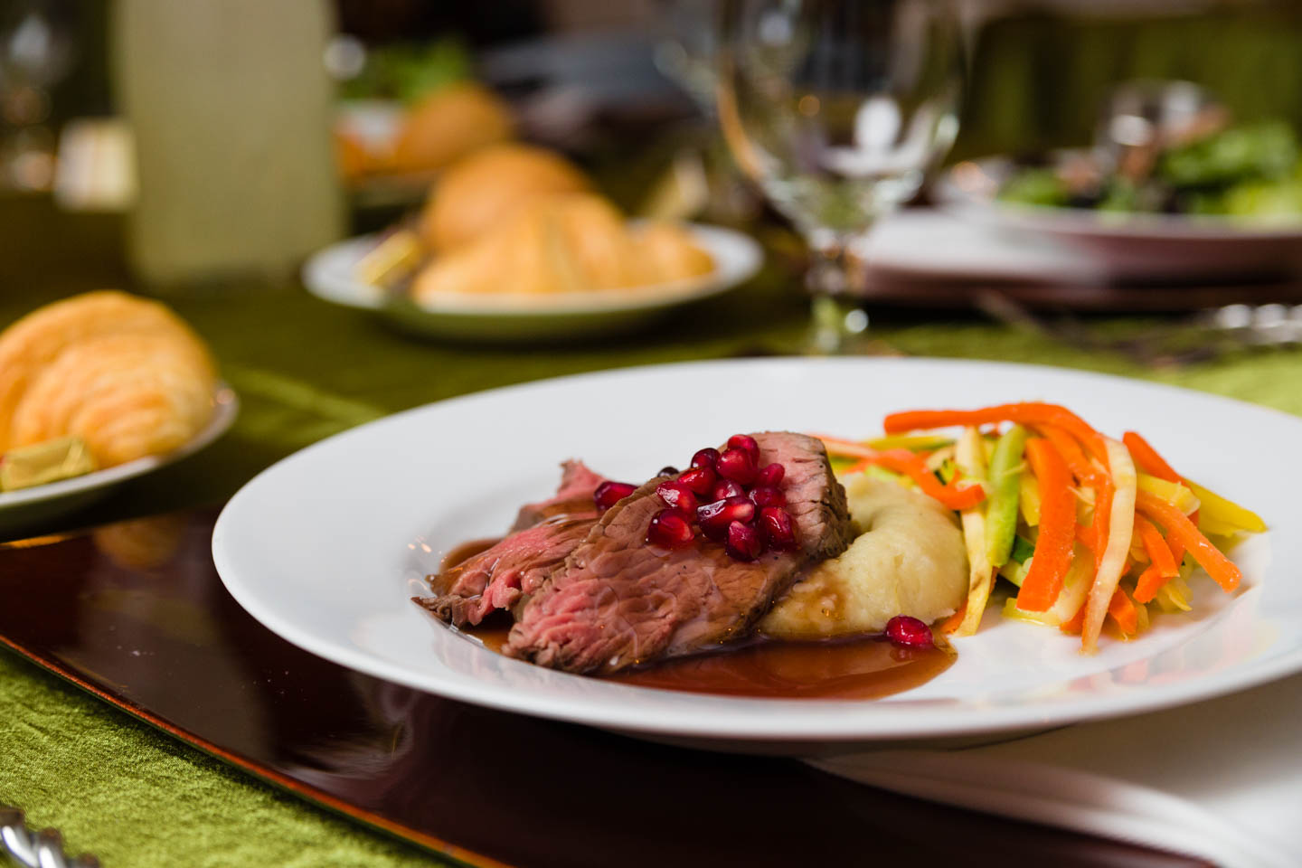 Roast beef with a pomegranate glace