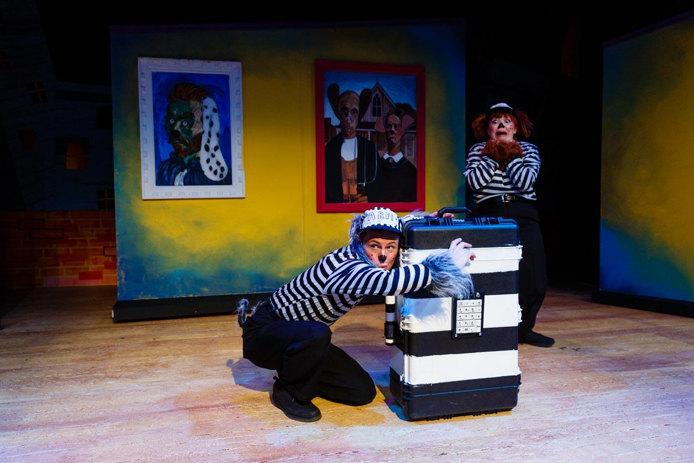Jenessa Bowen and Jaten Lee McGriff as burglar dogs