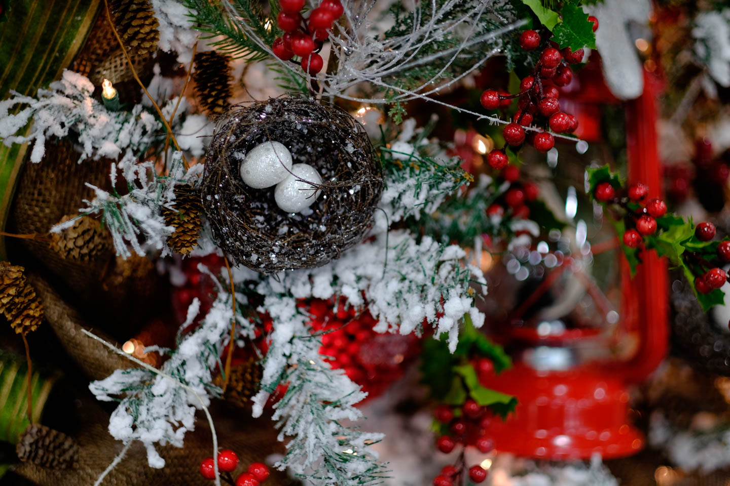 Christmas tree with bird eggs