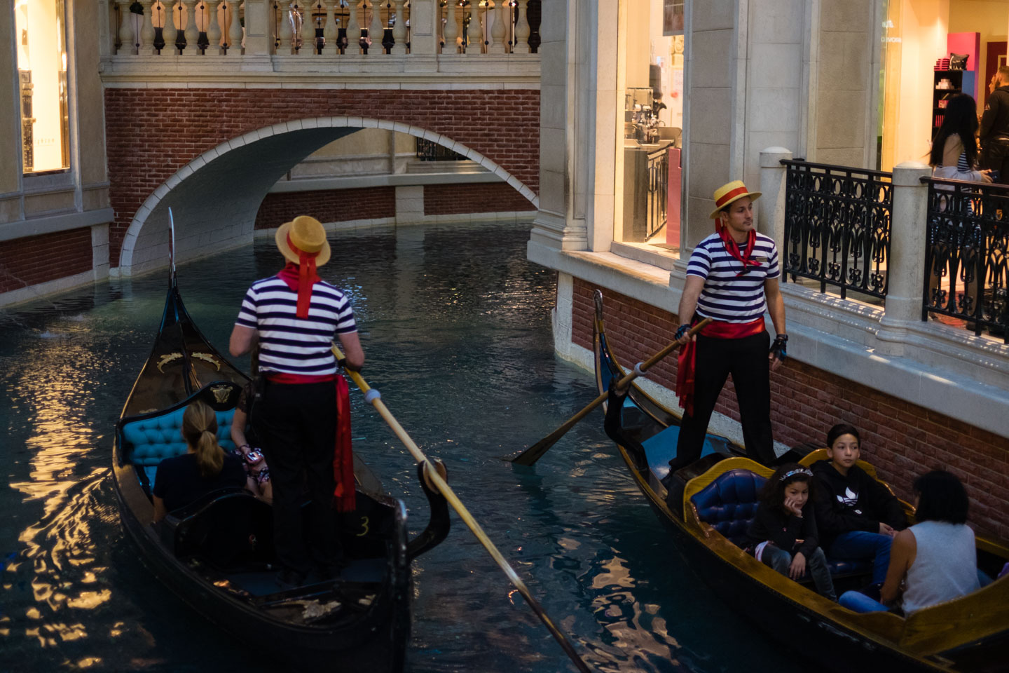 Gondoliers at the Venetian