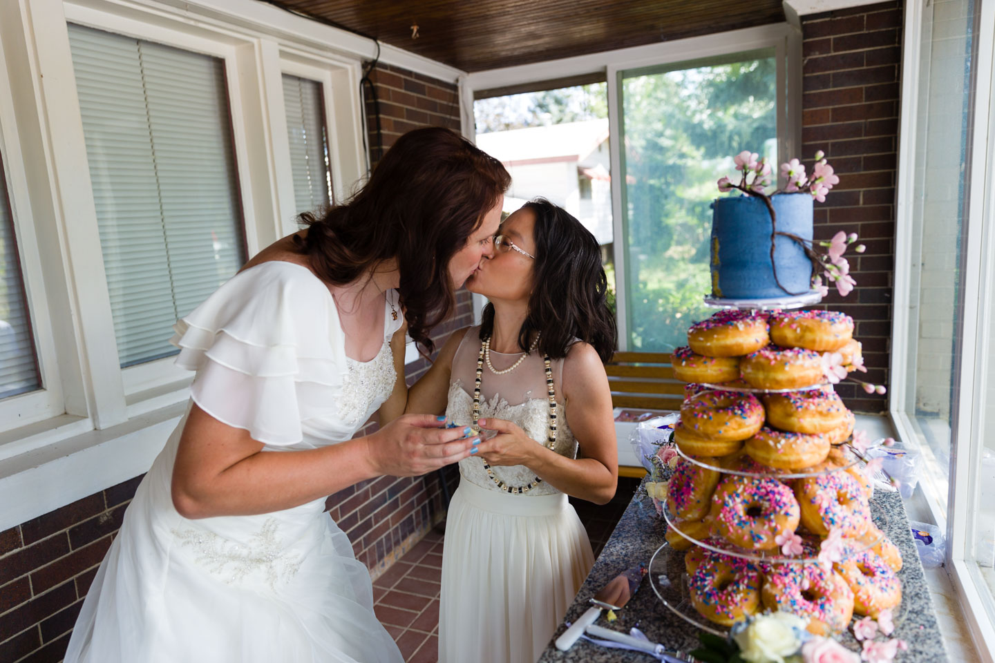 Always a kiss after the cake cutting