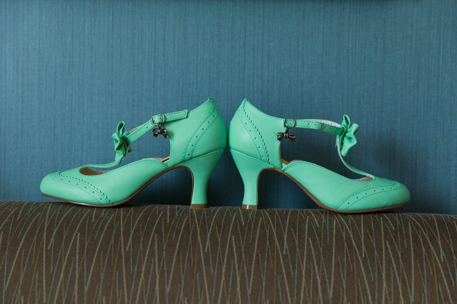 The bride's mint green shoes