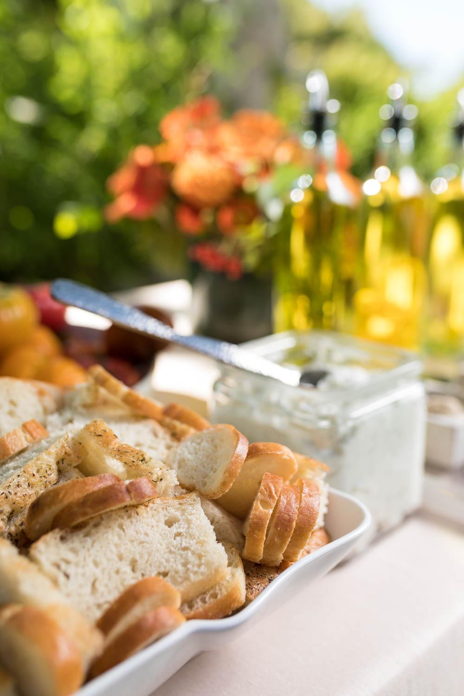 Bread & oil