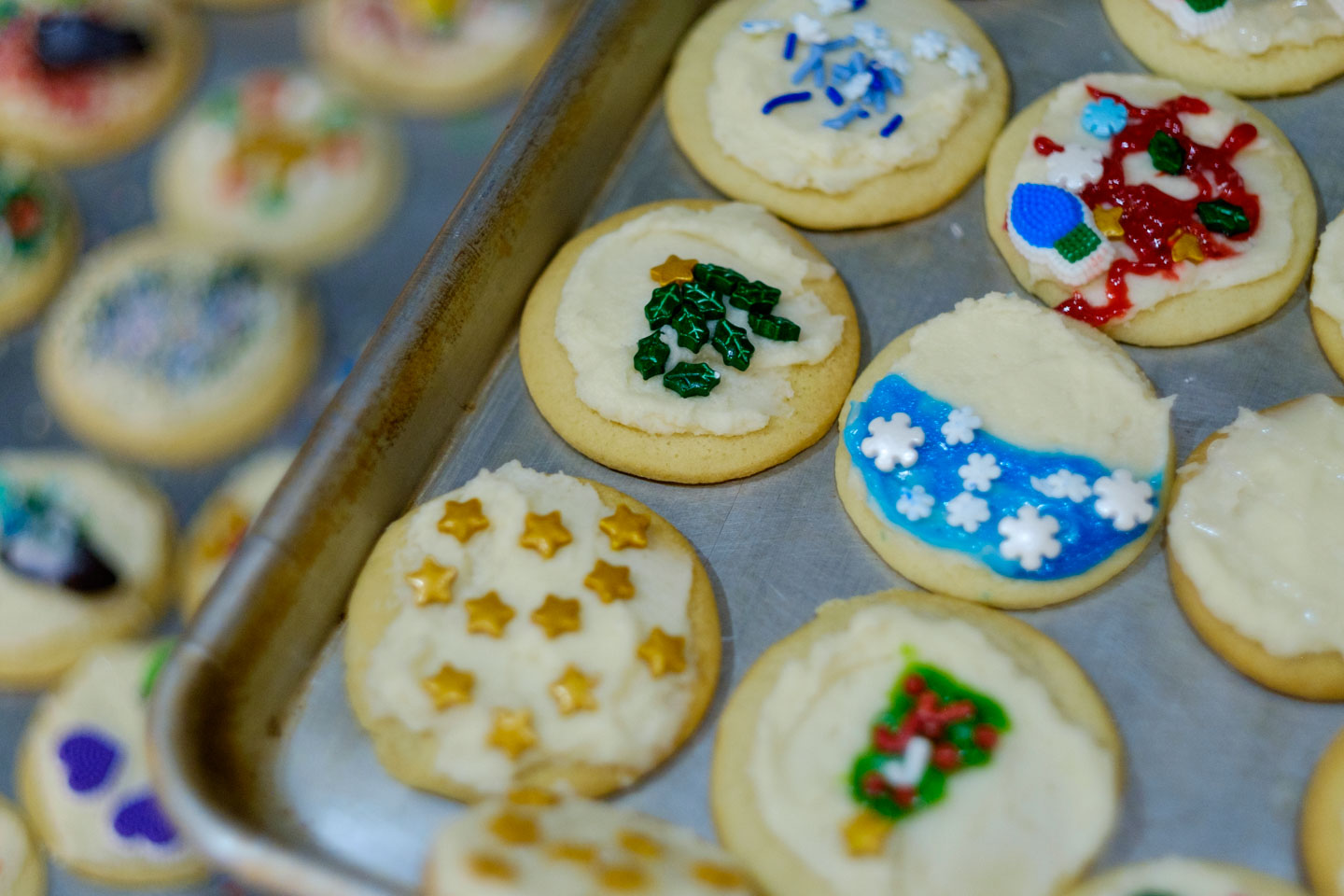 Kids decorate the sugar cookies