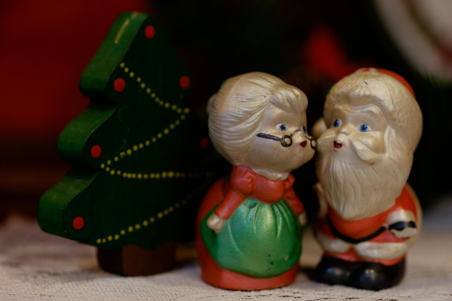 Olde tyme Christmas decorations