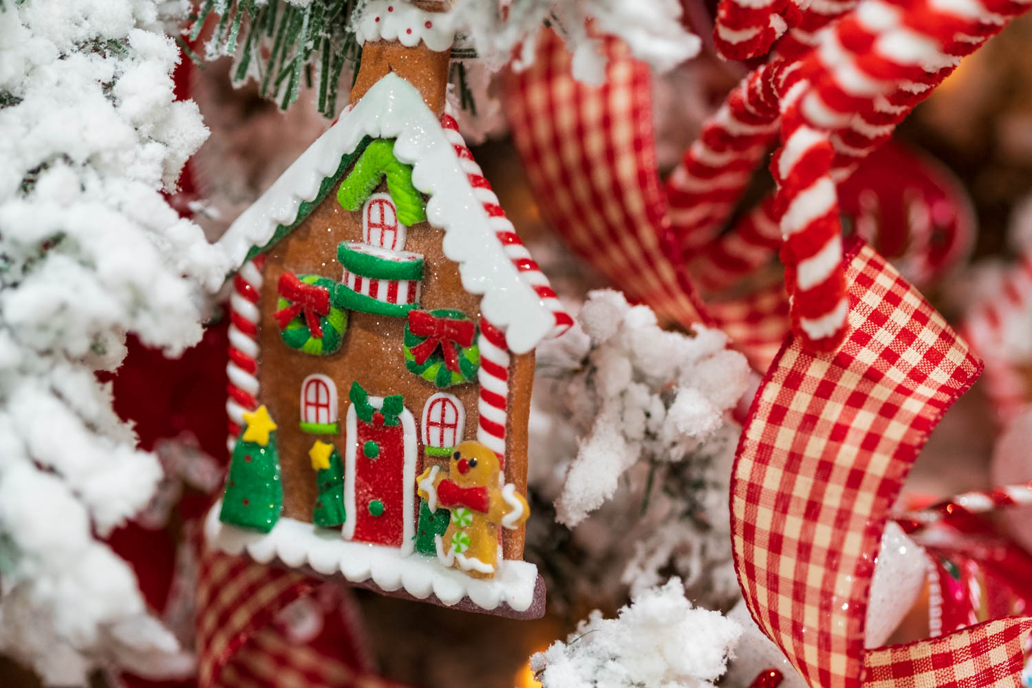 Gingerbread House Christmas Decoration