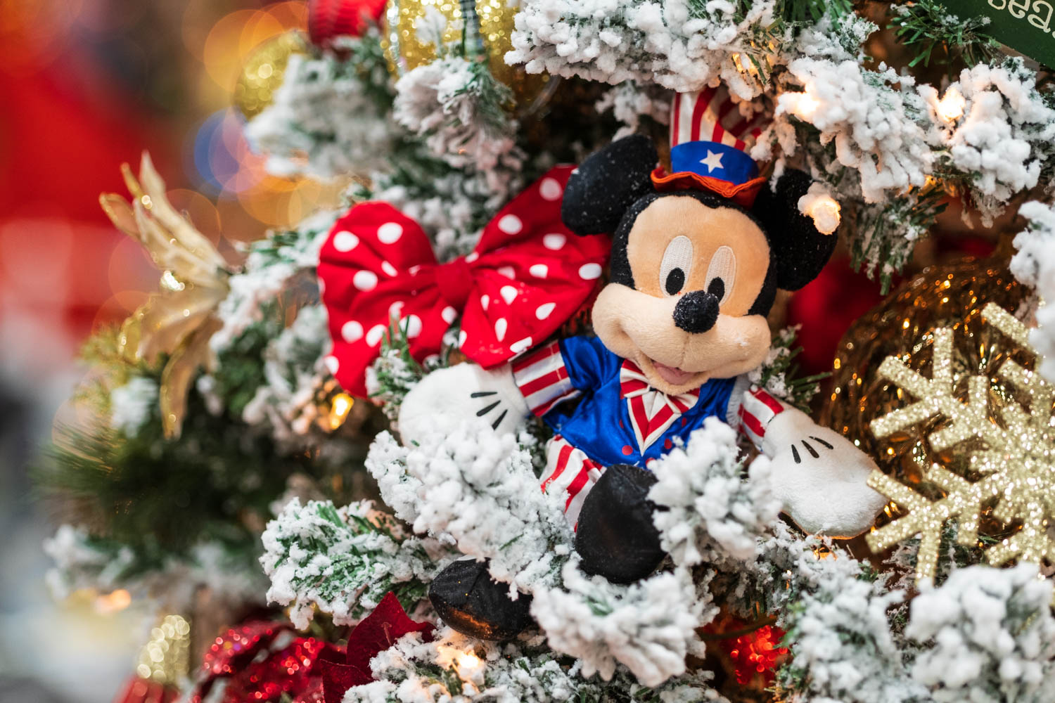 A Patriotic Mickey Mouse Christmas