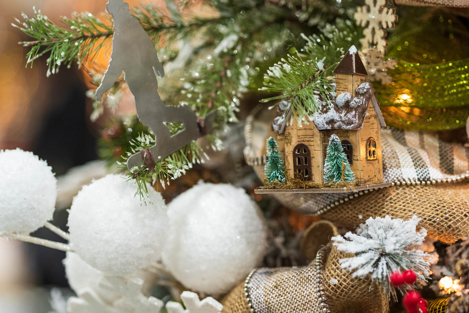 Small home Christmas decorations